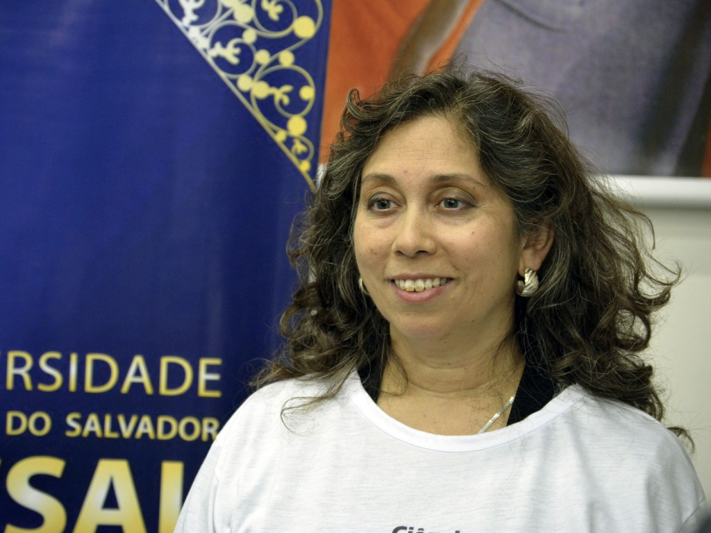 Nagin Cox (NASA Space Engineer) during a series of events about participation of women in science careers – UCSal/UFBA – Set/30/2014 and Oct/1st/2014 – Salvador, Bahia