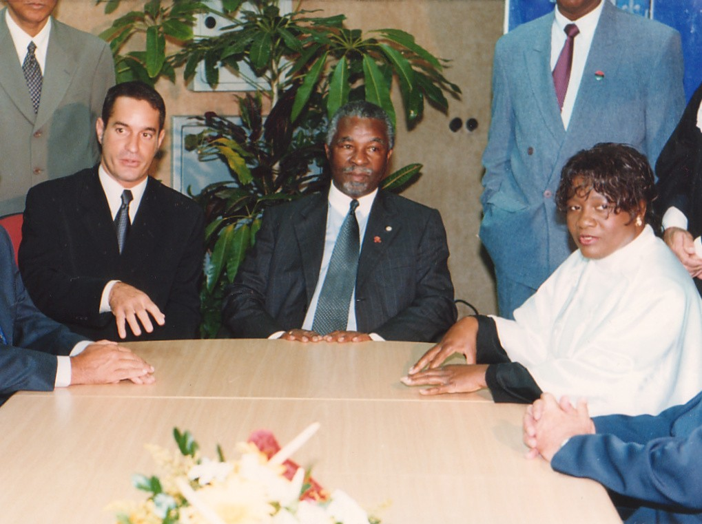Thabo Mbeki (Presidente deSudáfrica) en visita oficial al Estado de Bahia - Ceremonial del Gobierno del Estado de Bahia - Palaciodel Gobierno, 13-14/DIC./00, Bahia (Brasil).